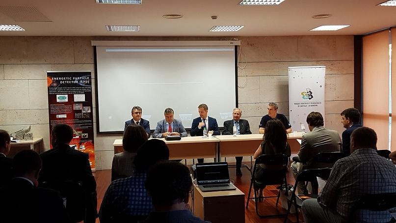 """El Grupo de Investigación del Espacio de la Universidad de Alcalá (SRGUAH) y el Parque Científico y Tecnológico de Castilla-La Mancha presentaron ayer el documental """"Historia de un lanzamiento"""